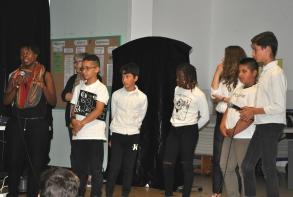 Les jeunes ont été applaudis avant la projection du film de J.C. Balan
