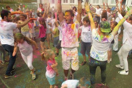 Actualité Jeunesse éducation centre d'été Holi color 21 juillet 2016