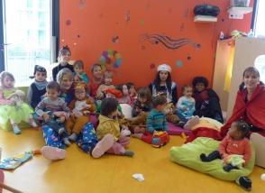 Social petite enfance multiaccueil photo de groupe